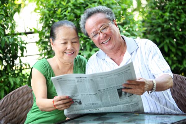 Mua bảo hiểm sức khỏe cũng là cách thể hiện lòng hiếu thảo với cha mẹ