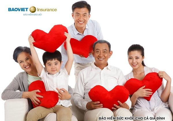 mua bảo hiểm sức khỏe cho cả gia đình