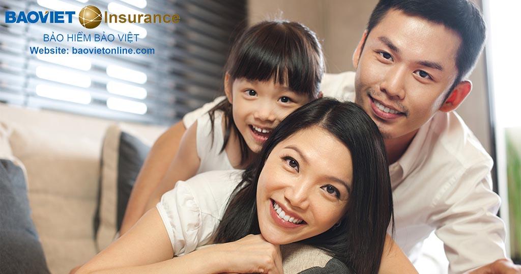 nên mua bảo hiểm sức khỏe cho cả gia đình